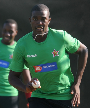 Elton Chigumbura in a training session, Pallekele, March 9, 2011