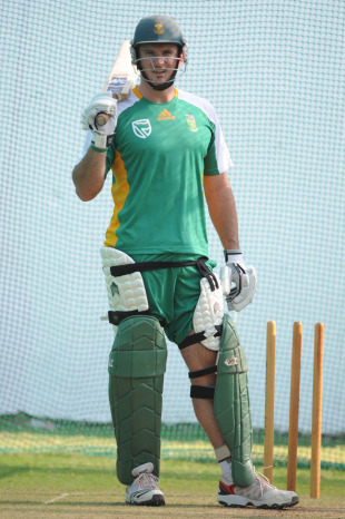 Graeme Smith in the nets, Nagpur, March 9, 2011