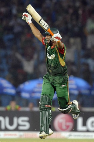 Mahmudullah hit the winning runs for Bangladesh in an epic victory, Bangladesh v England, Group B, World Cup, Chittagong, March 11, 2011