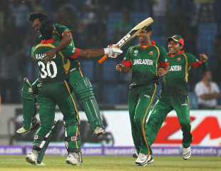 Bangladesh celebrate their thrilling win against England, Bangladesh v England, Group B, World Cup, Chittagong, March 11, 2011