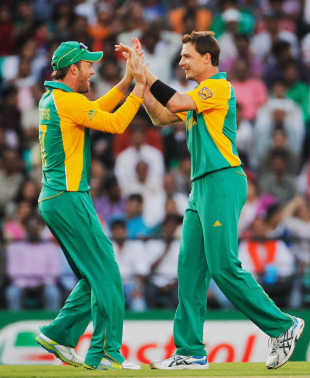 AB de Villiers and Dale Steyn celebrate the dismissal of Yusuf Pathan, India v South Africa, Group B, World Cup, Nagpur, March 12, 2011