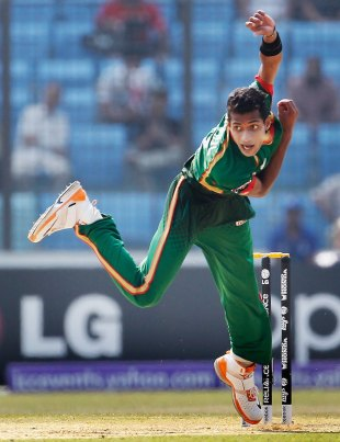 Shafiul Islam bowled a tight opening spell without a wicket, Bangladesh v Netherlands, Group B, World Cup 2011, Chittagong, March 14, 2011