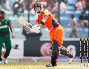 Ryan ten Doeschate resisted with a half-century, Bangladesh v Netherlands, Group B, World Cup 2011, Chittagong, March 14, 2011
