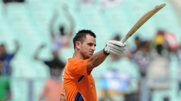 Ryan ten Doeschate celebrates getting to a century