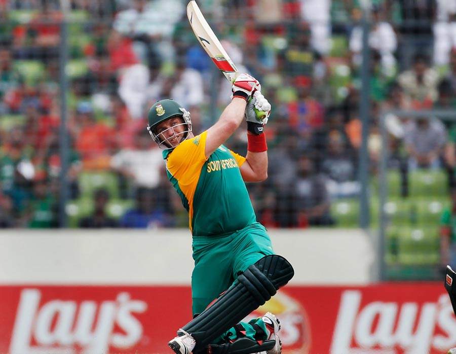 Jacques Kallis swats a six during his 69 | Photo | ICC Cricket World Cup 2011 | ESPNcricinfo.com