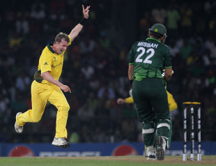 Brett Lee gave Australia hope with two wickets in two balls, Australia v Pakistan, Group A, World Cup 2011, Colombo, March 19, 2011