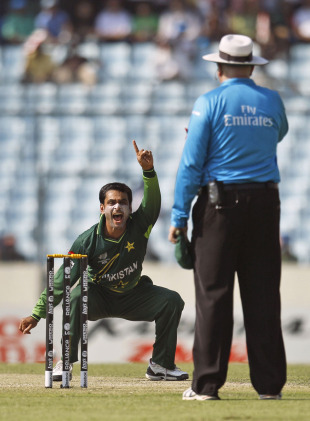 Mohammad Hafeez successfully appeals for the wicket of Darren Bravo, Pakistan v West Indies, 1st quarter-final, World Cup 2011, March 23, 2011