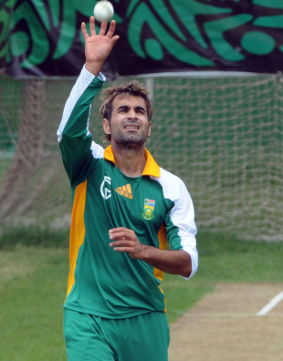 Imran Tahir in action during South Africa's training session, Dhaka, March 24, 2011