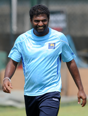 Murali signs with Melbourne Renegades