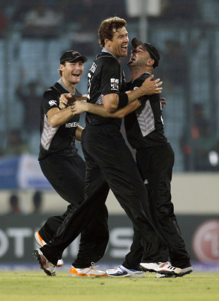 Jacob Oram got rid of Johan Botha cheaply, New Zealand v South Africa, 3rd quarter-final, Mirpur, World Cup 2011, March 25, 2011