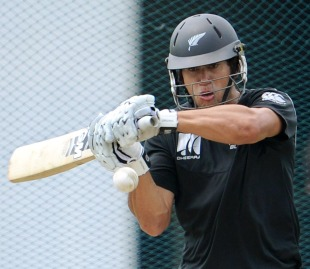Ross Taylor in the nets ahead of New Zealand's semi-final against Sri Lanka, World Cup 2011, Colombo, March 27 2011