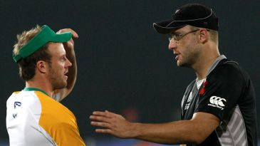 AB de Villiers shakes hands with Daniel Vettori after the defeat