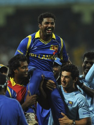 An injured Muttiah Muralitharan is given a ride, Sri Lanka v New Zealand, 1st semi-final, World Cup 2011, Colombo, March 29, 2011