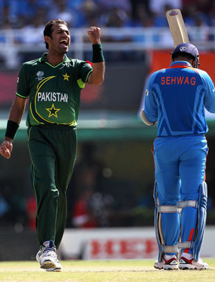Wahab Riaz celebrates as Virender Sehwag walks off, India v Pakistan, 2nd semi-final, World Cup 2011, Mohali, March 30, 2011