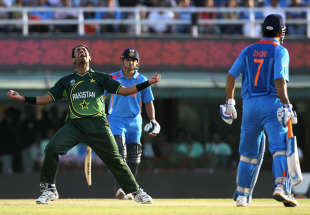 Wahab Riaz is ecstatic after knocking over MS Dhoni, India v Pakistan, 2nd semi-final, World Cup 2011, Mohali, March 30, 2011