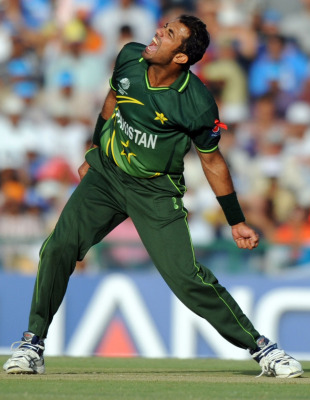 Wahab Riaz claimed his maiden ODI five-for, India v Pakistan, 2nd semi-final, World Cup 2011, Mohali, March 30, 2011