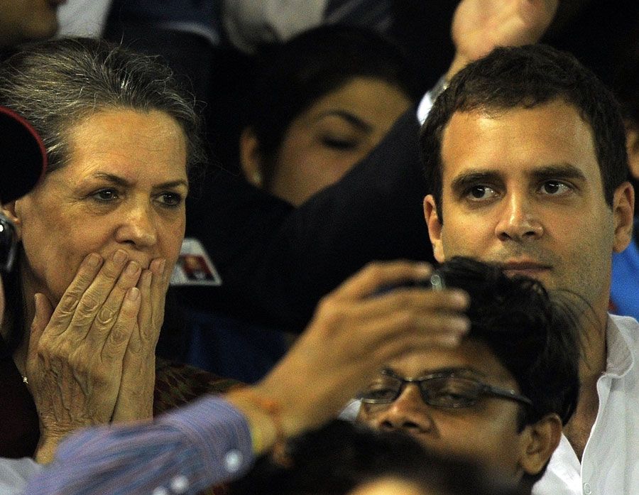 The pressure of the big game got to even the more eminent members of the audience, including Sonia and Rahul Gandhi