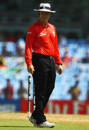 Umpire Simon Taufel on the field during England's game against South Africa, England v South Africa, Group B, World Cup, Chennai, March 6, 2011