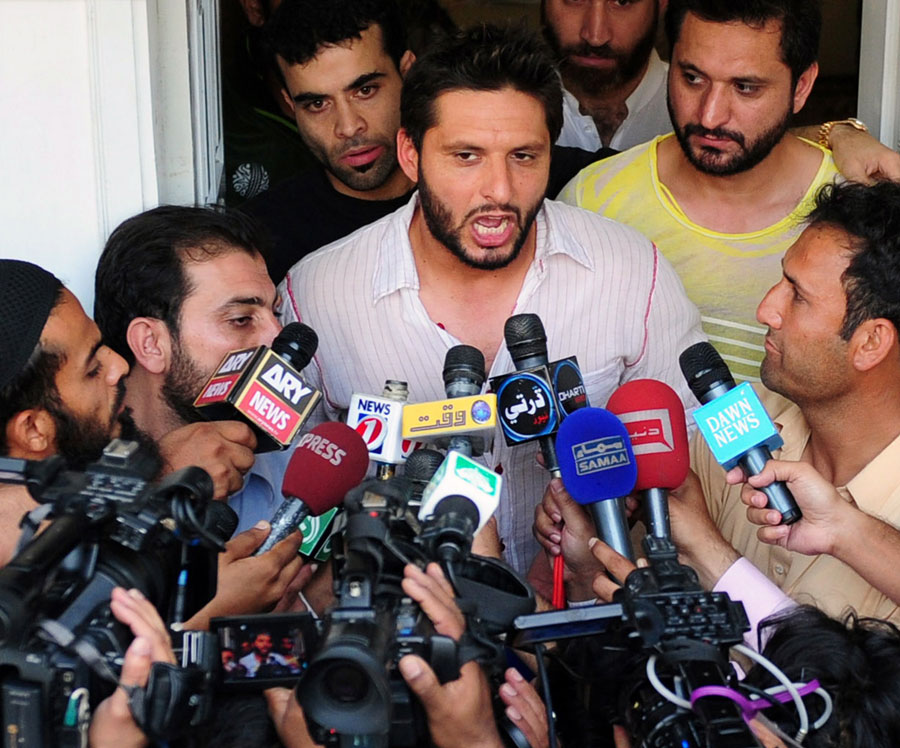 130886 - Afridi's legal counsel looks to resolve dispute