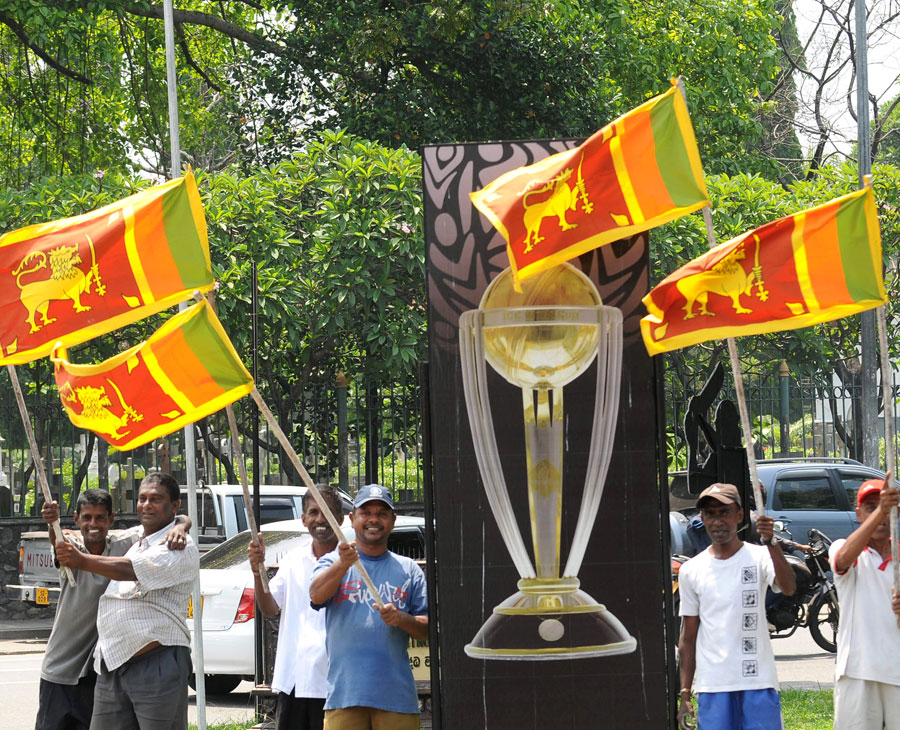 The excitement mounts in Colombo ahead of Sri Lanka's World Cup final clash with India