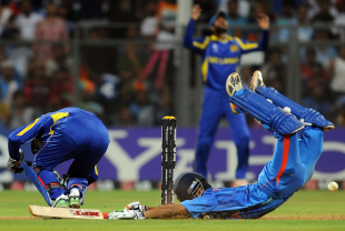 Gautam Gambhir dives to make his ground , India v Sri Lanka, final, World Cup 2011, Mumbai, April 2, 2011