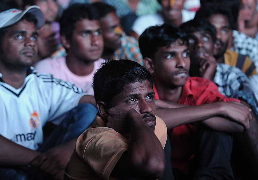 Sri Lankan fans in Colombo watch their team slip to defeat