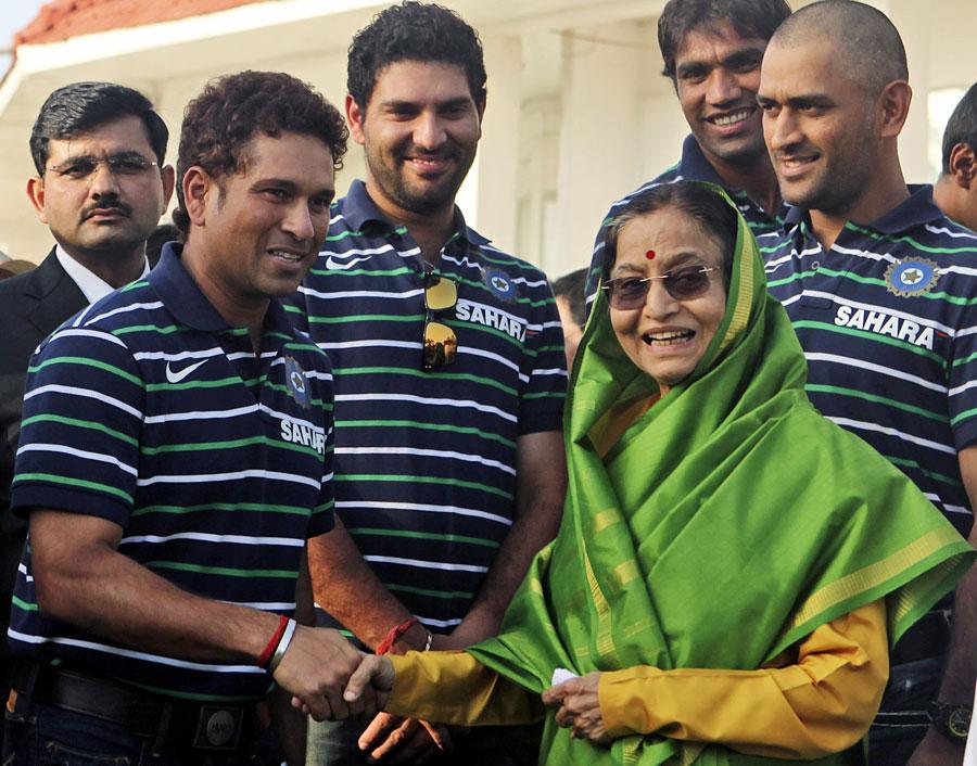 Members of the World Cup-winning team meet India's president Pratibha Patil