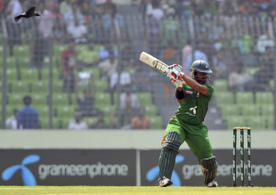 Shahriar Nafees showed some resistance in making a fighting half-century, Bangladesh v Australia, 2nd ODI, Mirpur, April 11, 2011