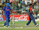 Ashok Dinda removes Amit Paunikar's middle stump, Rajasthan Royals v Delhi Daredevils, IPL 2011, Jaipur, April 12, 2011