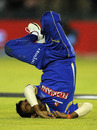 Swapnil Asnodkar unsuccessfully attempts to take a catch, Kings XI Punjab v Rajasthan Royals, IPL 2011, Mohali, April 21, 2011