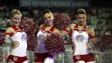 Cheerleaders support Punjab at Eden Gardens