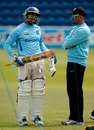 Tillakaratne Dilshan chats with Marvan Atapattu, Cardiff, May 25 2011