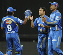 Ambati Rayudu congratulates Sachin Tendulkar on taking the catch of Jacques Kallis, Mumbai v Kolkata, Eliminator, IPL 2011, Mumbai, May 25, 2011