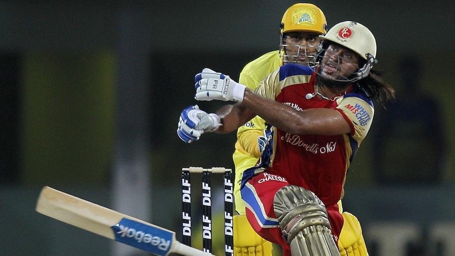 Saurabh Tiwary loses his bat