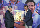 Salim Durani receives the BCCI's lifetime achievement award, Mumbai, May 31, 2011