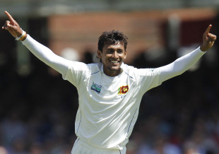 Suranga Lakmal made two early breakthroughs, England v Sri Lanka, 2nd Test, Lord's, June 3, 2011
