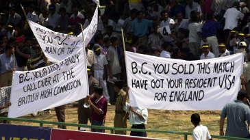 Sri Lankan supporters protest against BC Cooray's umpiring