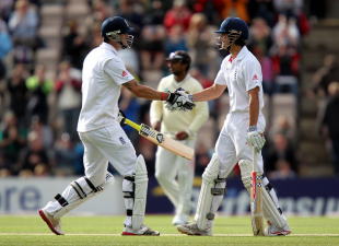 Kevin Pietersen and Alastair Cook added 106 for the third wicket, England v Sri Lanka, 3rd Test, Rose Bowl, June 18, 2011