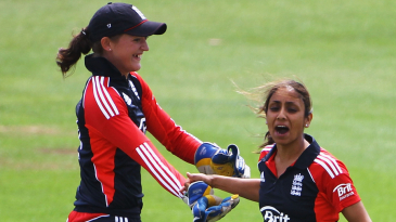Isa Guha and Sarah Taylor celebrate an early wicket against India