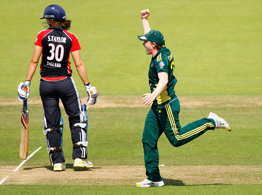 134779 - Australia snap England's winning run