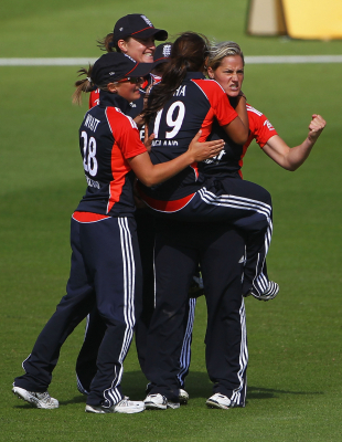 Katherine Brunt took 5 for 18 in England's win over Australia, England v Australia, NatWest Women's Quadrangular Series Final, Wormsley, July 7 2011