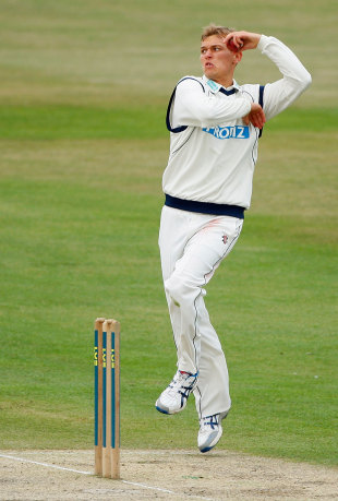 Danny Briggs helped Hampshire keep Sussex in check, Sussex v Hampshire, County Championship Division One, Hove, July 12 2011