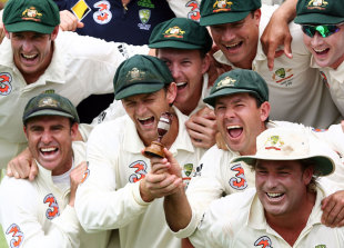 The Australian team is jubilant after winning the Ashes, Australia v England, 3rd Test, Perth, 5th day, December 18, 2006