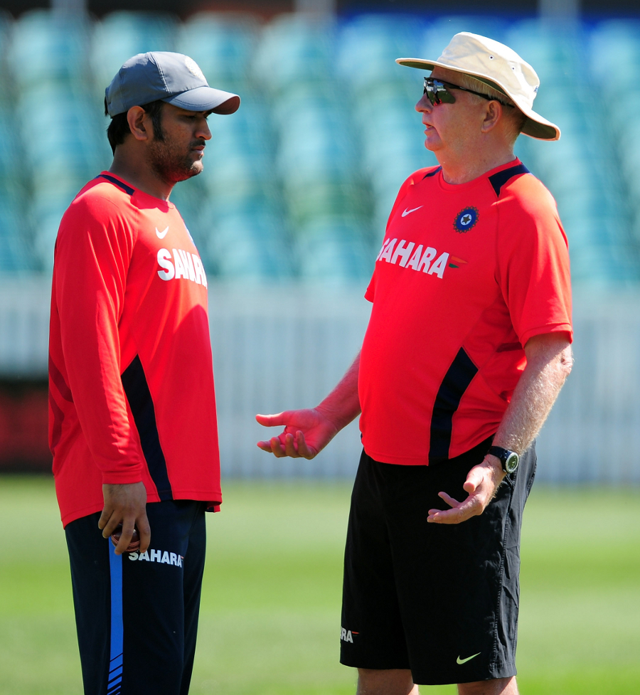 Duncan Fletcher and MS Dhoni in discussion during India's practice session, Taunton, July 14 2011
