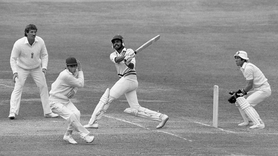 Dilip Vengsarkar pulls during his century