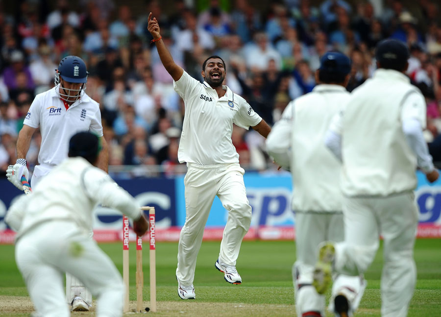 135431 - Praveen fined for arguing with umpire