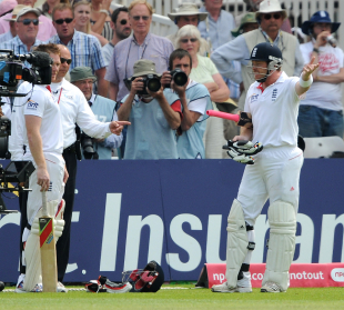 Ian Bell vents his frustration during the confusion before tea, England v India, 2nd npower Test, Trent Bridge, 3rd day, July 31, 2011