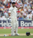 Yuvraj Singh winces after taking a stinging blow on the fingers, England v India, 2nd Test, Trent Bridge, 4th day, August 1, 2011