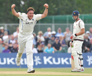 Neil Carter celebrates one of six wickets against Lancashire, Lancashire v Warwickshire, County Championship Divison One, Aigburth, August 1 2011