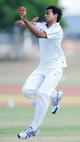 Jaydev Unadkat is all concentration as he is about to release the ball, Australian Institute of Sport v India Emerging Players, Emerging Players tournament, 3rd day, Townsville, August 13, 2011